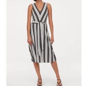 H&M Black White Stripe V Neck Sleeveless Dress S